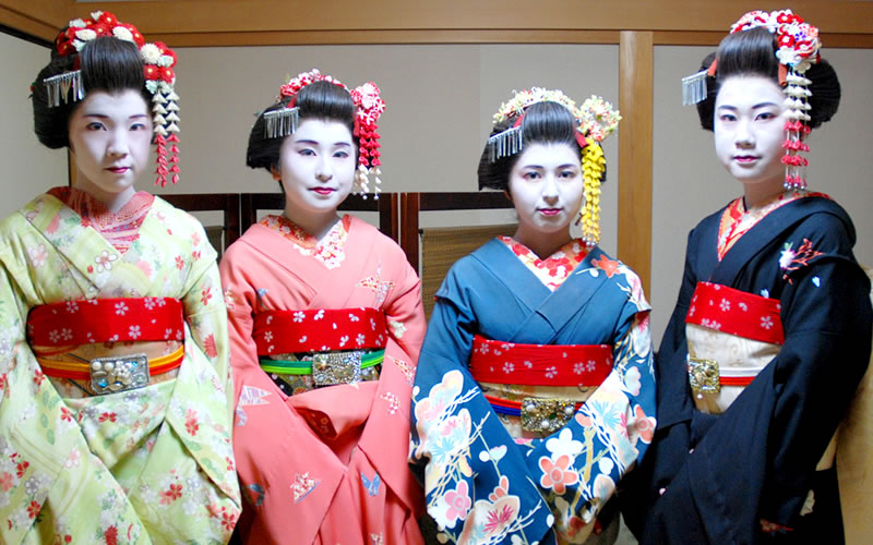 Maiko experience · Kimono rental · School trip trip plan from 3 people ~